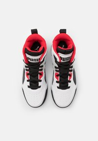 Puma - BACKCOURT MID UNISEX - Vysoké tenisky - white/black/high risk red/silver - 3
