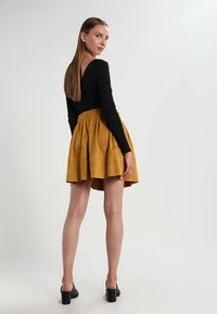 Moves - KIA - A-line skirt - mustard yellow - 2