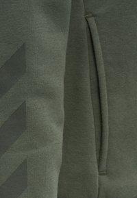 Hummel - HMLNONI  - Zip-up sweatshirt - beetle - 5