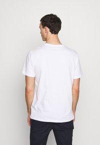 Pier One - Basic T-shirt - white - 2