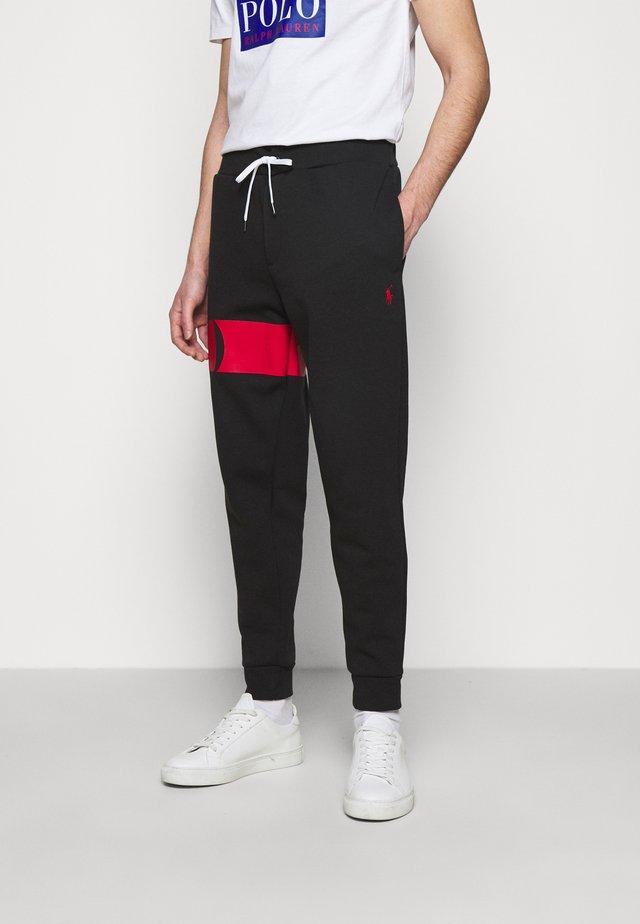 DOUBLE TECH - Pantaloni sportivi - black