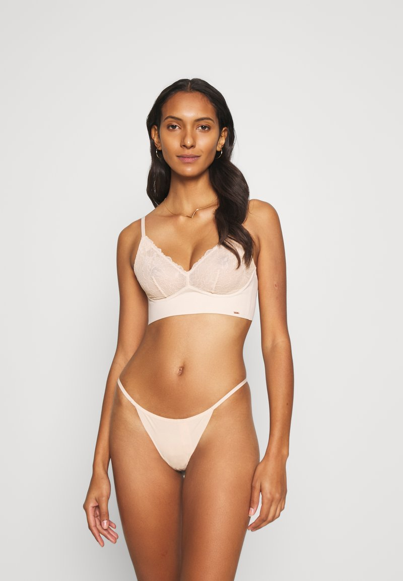 Hunkemöller - INVISIBLE 3 PACK - Thong - rugby tan
