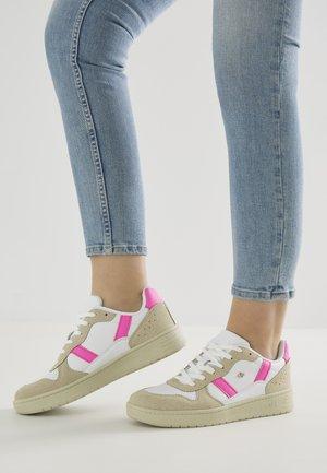 Baskets basses - white/beige/neon pink