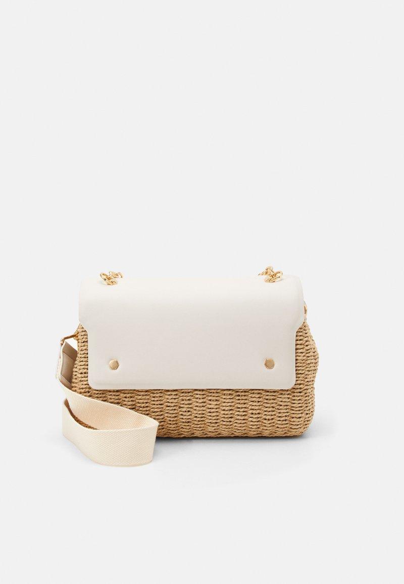 PARFOIS - CROSSBODY BAG LEIA - Across body bag - ecru