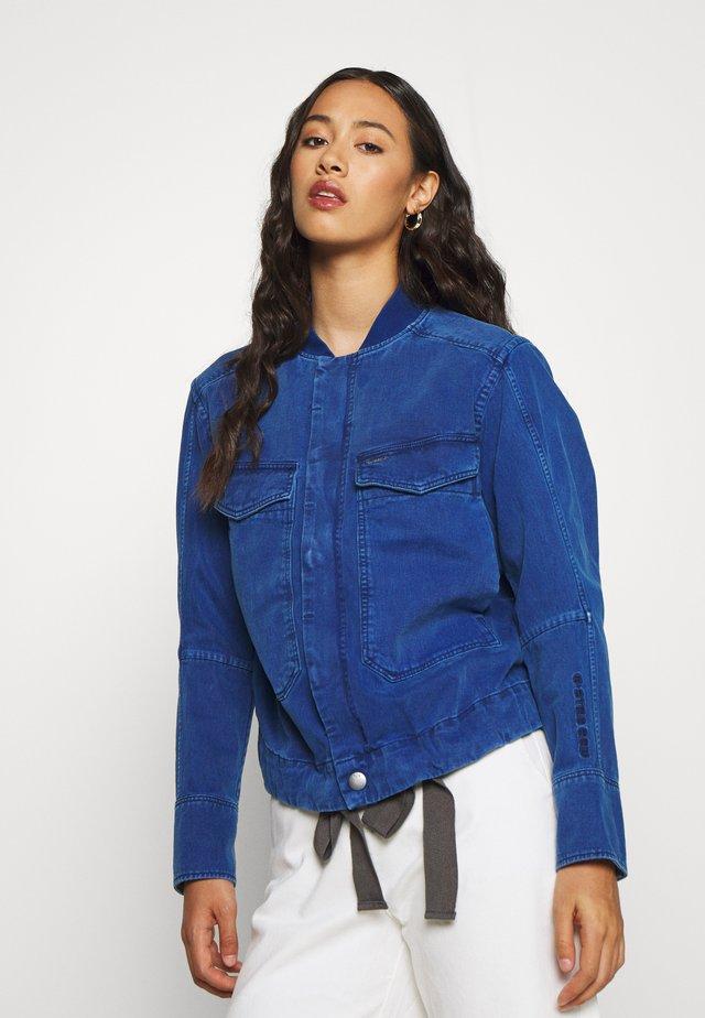 UTILITY BOMBER WMN - Denim jacket - deep true blue