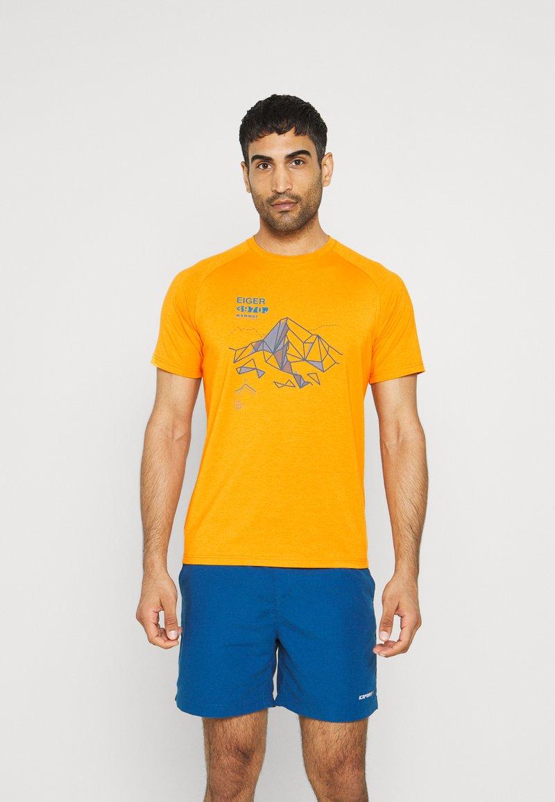 Mammut - MOUNTAIN MEN - Print T-shirt - dark radiant