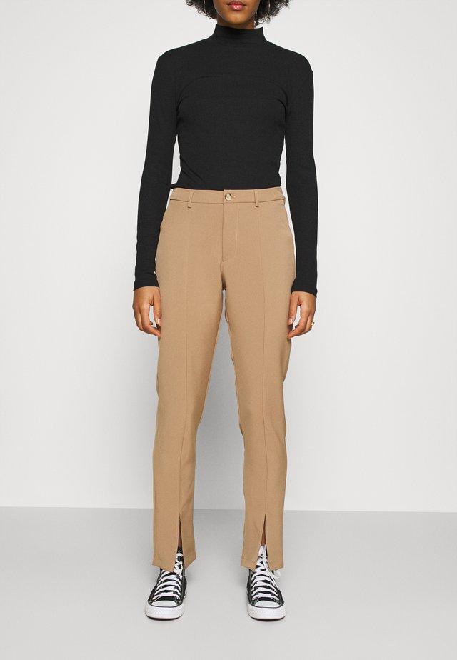 LUNI DRESSED PANT - Pantalon classique - camel