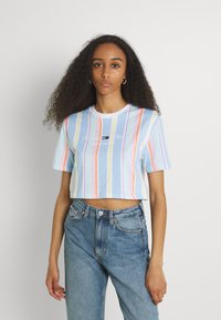 Tommy Jeans - STRIPE CROP TEE - Print T-shirt - light powdery blue - 0