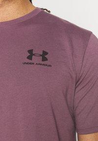 Under Armour - UA SPORTSTYLE LC - Jednoduché triko - purple - 5