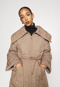 By Malene Birger - TIAMUS - Classic coat - clay - 3