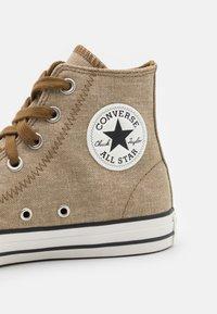 Converse - CHUCK TAYLOR ALL STAR UNISEX - Sneakers hoog - khaki/egret/terra taupe - 5