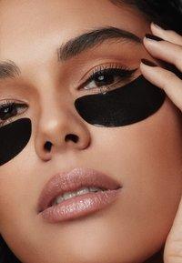 Rodial - SNAKE JELLY EYE PATCHES BOX - Skincare set - - - 2