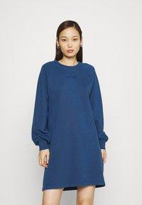 Levi's® - FRANNIE DRESS - Kjole - navy peony - 0
