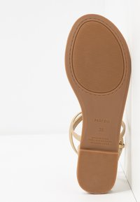 PARFOIS - Sandalias de dedo - gold - 6