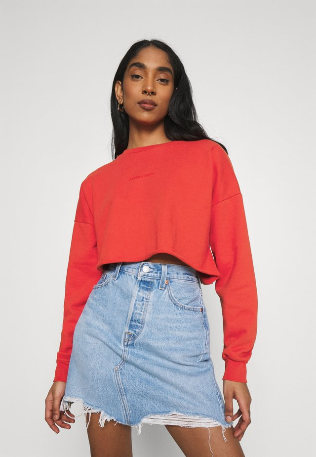 OVERSIZED CROP - Sweatshirt - rust red