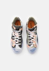 Converse - CHUCK 70 PRINT - High-top trainers - cantaloupe/black/white - 5