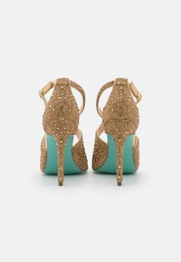 Blue by Betsey Johnson - SAGE - Korolliset sandaalit - gold - 3