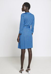 Diane von Furstenberg - BANDED JULIAN MINI - Jersey dress - adriatic - 2