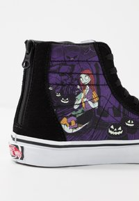 Vans - NIGHTMARE BEFORE CHRISTMAS SK8 - Sneakers high - black - 7