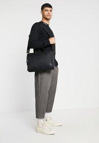 Calvin Klein - TRAIL SLIM LAPTOP BAG - Aktovka - black - 1