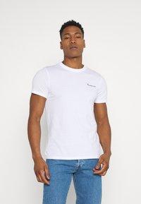 KnowledgeCotton Apparel - ALDER TEE - Basic T-shirt - bright white - 0