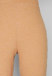 Fashion Union Tall - FENNEL TROUSER - Pantalones - beige - 5
