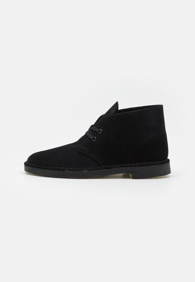Clarks Originals - DESERT BOOT - Stringate sportive - black