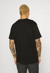 STAPLE PIGEON - POCKET TEE UNISEX - Print T-shirt - black - 2