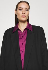 Who What Wear - Button-down blouse - deep berry - 3