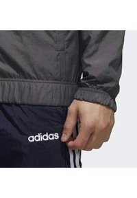 adidas Performance - ESSENTIALS WOVEN TRACKSUIT - Chándal - grey - 5