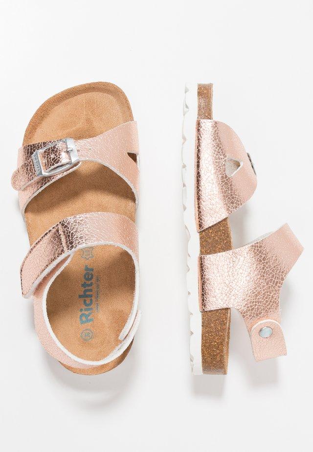 Sandaalit nilkkaremmillä - intimo