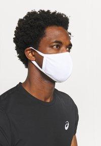ASICS - FACE COVER LOGO - Community mask - white - 1