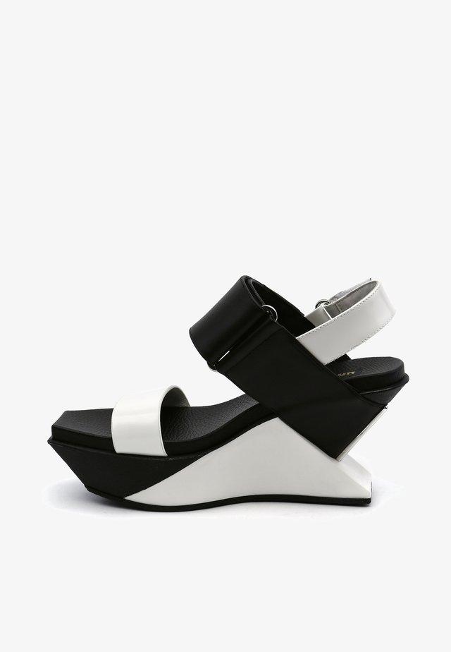 DELTA  - Sandalen met hoge hak - mono