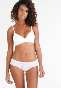 Triumph - BODY MAKE-UP - Soutien-gorge invisible - white - 1