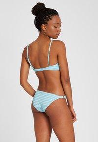 Volcom - NEXT IN LINE VNECK - Bikini top - coastal blue - 2