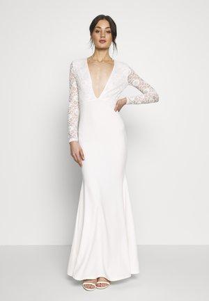 BRIDAL PLUNGE LONG SLEEVED MAXI DRESS - Společenské šaty - ivory