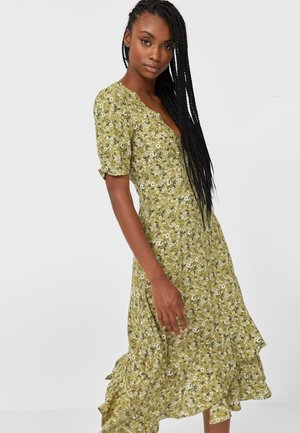 MIT VOLANTS  - Day dress - green