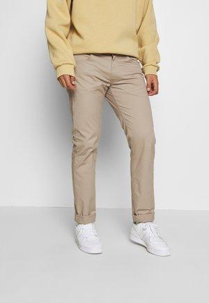 DAREN ZIP FLY - Pantaloni - anita beige