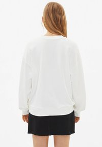 Bershka - Sweatshirts - white - 2
