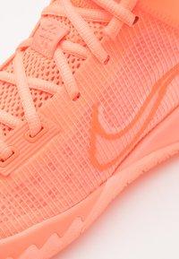 Nike Performance - KYRIE FLYTRAP IV - Basketball shoes - crimson pulse/hyper crimson/bright mango - 5