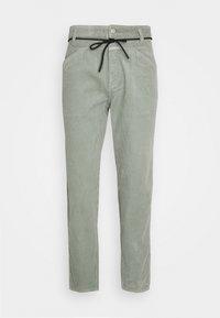 CLOSED - X-LENT  - Trousers - celadon green - 4