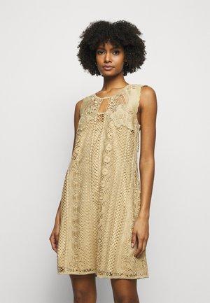 DRESS - Robe d'été - beige