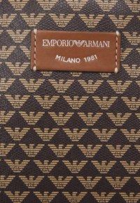 Emporio Armani - MYEABORSA SET - Handbag - moro/ecru/tabacco - 4