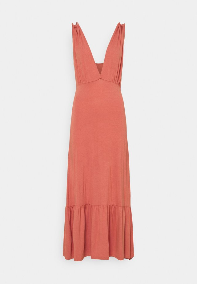 PCNEORA STRAP DRESS - Vestido largo - canyon rose