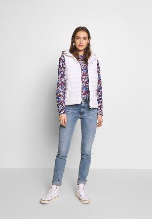 VENICE  NALI - Jeans slim fit - light blue denim