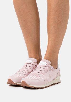CLASSIC RUNR - Sneakers basse - pink