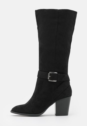 WIDE FIT BUCKLE LONG BOOT