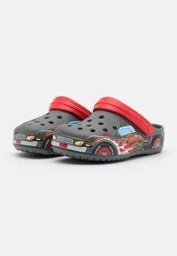 Crocs - TRUCK - Sandały kąpielowe - slate grey - 1