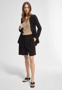 comma - Shorts - black - 1