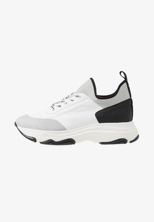 EDDA - Sneakersy niskie - white/black